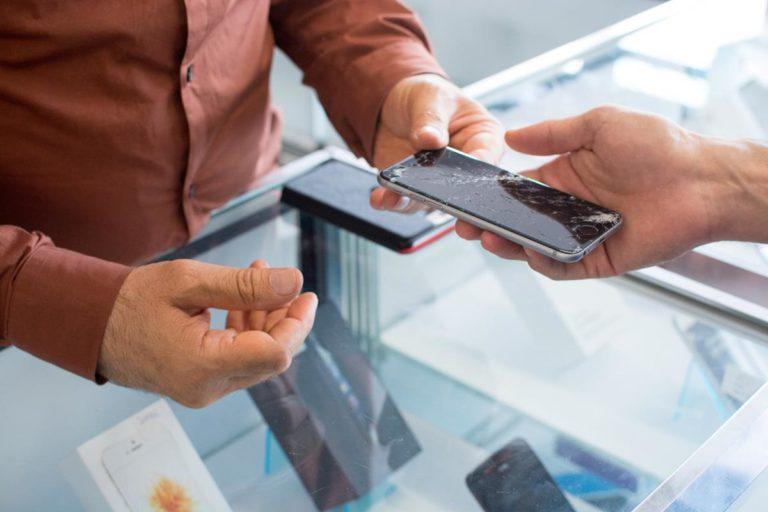 Kiedy należy wymienić ekran LCD w naszym telefonie?