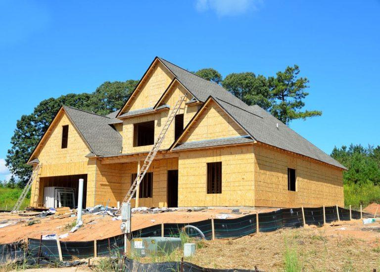 Czy poszukujesz odpowiedniej listwy stropowej do uzbrojenia twojego domu?